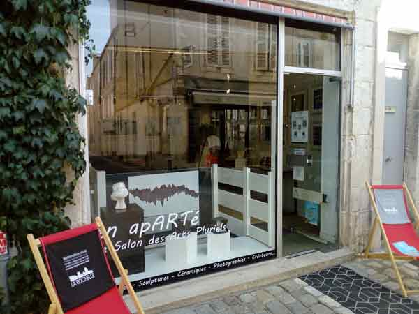 gallery En APARTÉ, 39 rue Saint-Nicolas 17000 La Rochelle, Cécile De Las Candelas painter